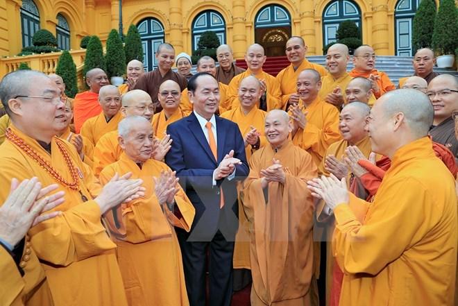 国家主席陈大光会见越南佛教僧伽会代表团