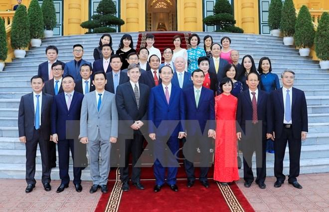 国家主席陈大光会见2017年APEC领导人会议周赞助商