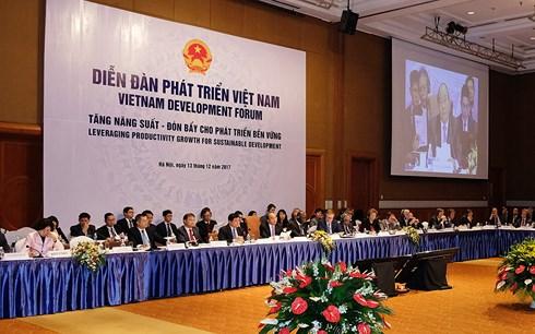 越南正在提高生产率 以跨越中等收入陷阱