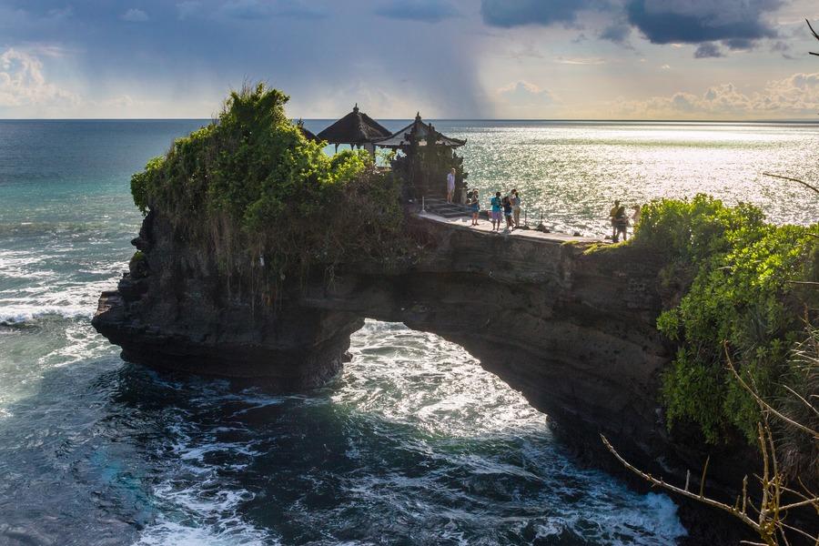 """""""印尼你好,来印尼旅游吧"""" 展览会在河内开展"""