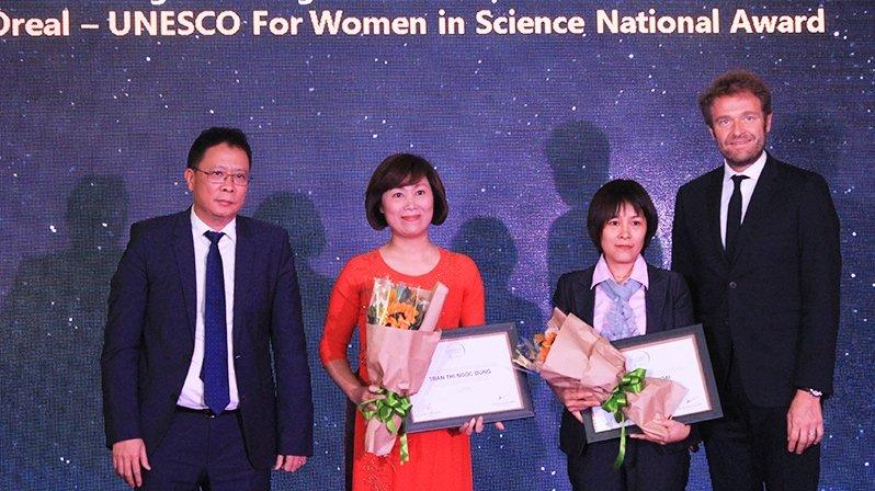 越南五名出色女科学家获得2017年度欧莱雅-联合国教科文组织的奖项