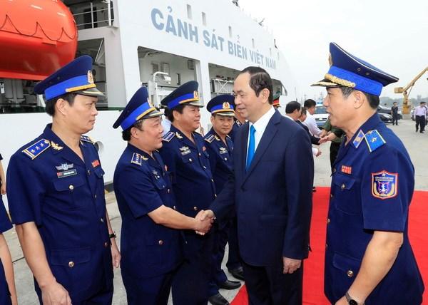 国家主席陈大光看望慰问第三海警区司令部指战员