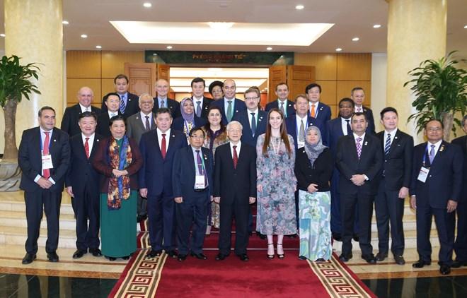 越共中央总书记阮富仲会见出席APPF-26的各国代表团团长