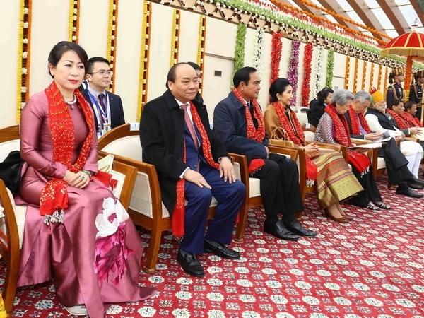越南政府总理阮春福出席印度共和日阅兵活动
