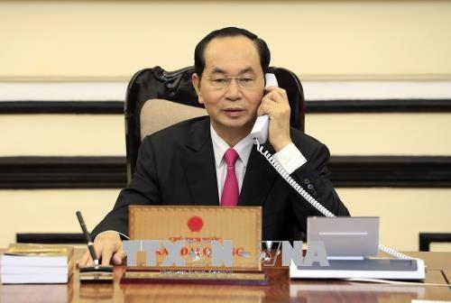 越南国家主席陈大光与美国总统特朗普通电话