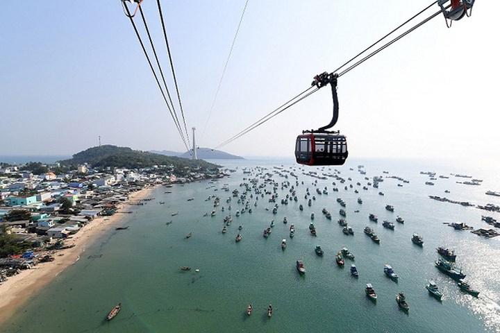 世界最长跨海缆车在越南投入运营