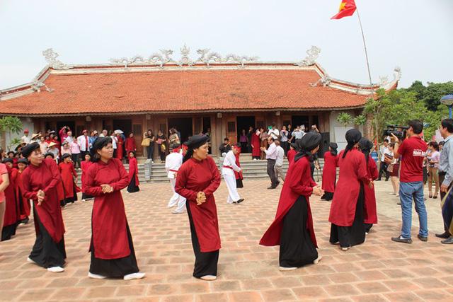 越南中部发牌唱曲和富寿省春曲:不愧为非物质文化遗产