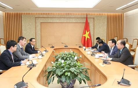 越南政府副总理王廷惠:越南一向重视专家在宏观经济调控方面的意见