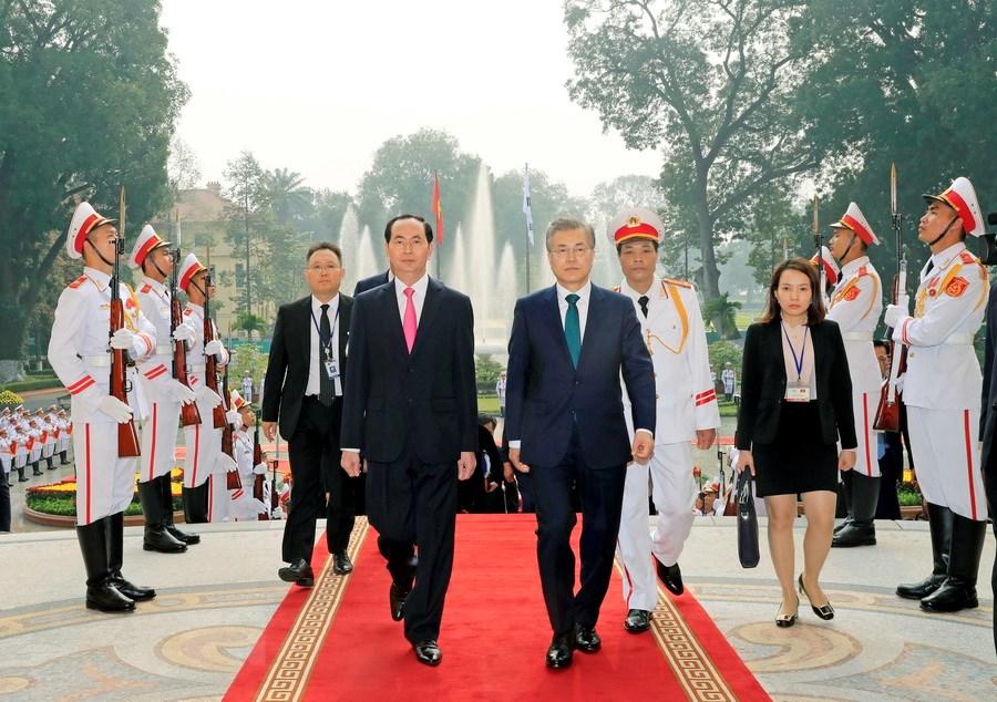 国家主席陈大光举行隆重仪式欢迎韩国总统来访