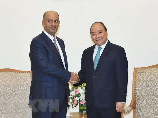 政府总理阮春福会见阿曼商业与工业大臣阿里•苏奈迪