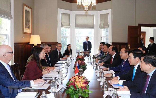 政府总理阮春福同新西兰总理杰辛达•阿德恩举行会谈