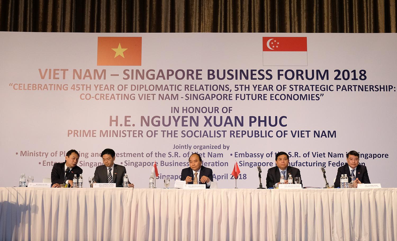 阮春福总理:越南和新加坡企业将迎来众多新合作机遇
