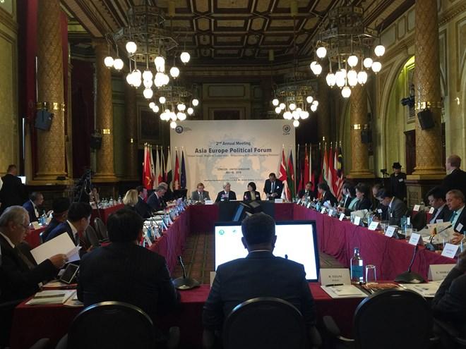 越南共产党代表团出席第二届亚欧政治论坛