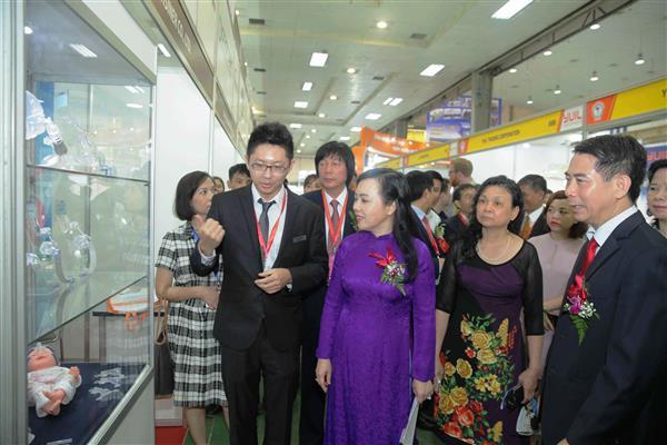 430家企业参加越南第25届国际医药制药、医疗器械展览会