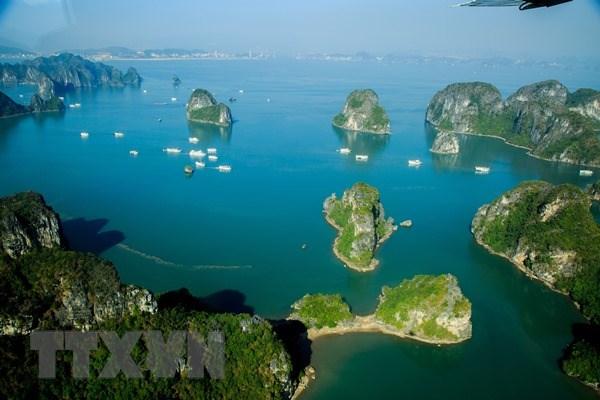 下龙——越南艺术摄影界2018年的相约之地