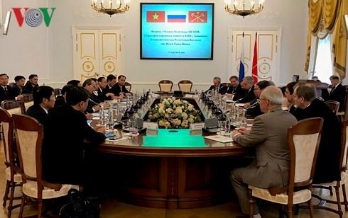 胡志明市与圣彼德堡加强合作关系