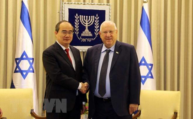 胡志明市委书记阮善仁拜会以色列总统鲁文•里夫林