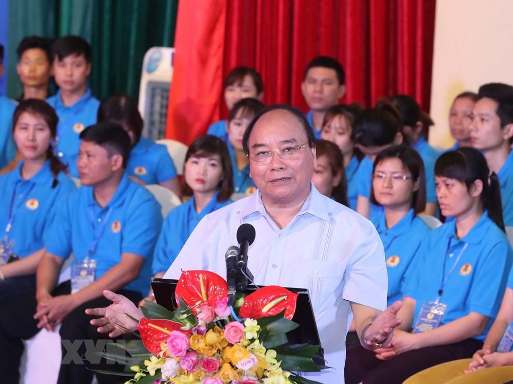 阮春福总理与红河平原地区1000名劳动者对话