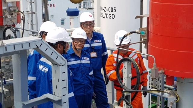 越南宜山炼油厂首批贸易成品油成功出炉