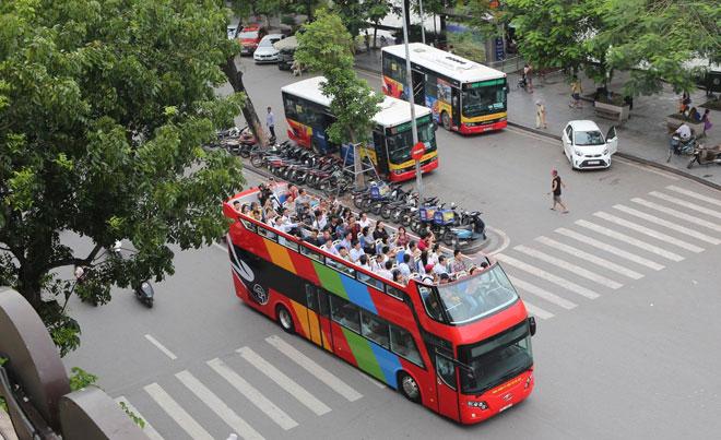河内将于本月底试点运行城市观光双层巴士