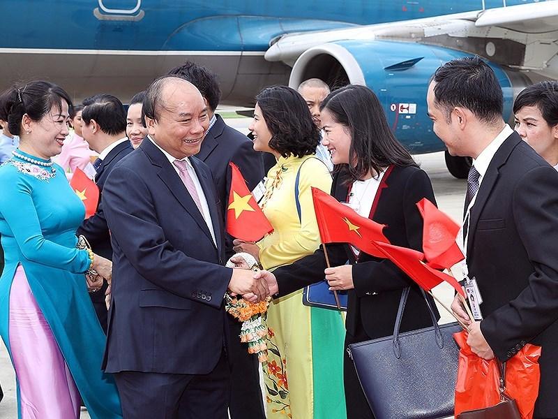 阮春福总理抵达泰国 开始出席ACMECS-8 和CLMV-9之行