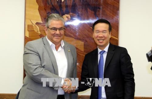越南一向重视与希腊的多方面友好合作关系