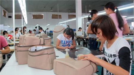年初5个月越南的箱包、帽子和雨伞出口额达13.4亿美元