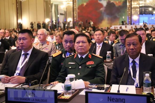 吴春历大将在第十七届香格里拉对话会期间举行各场双边会晤