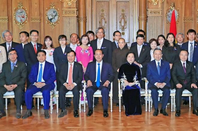 陈大光主席圆满结束对日本的国事访问启程回国