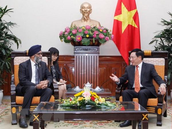加拿大国防部部长:越南是加拿大在地区中的重要伙伴