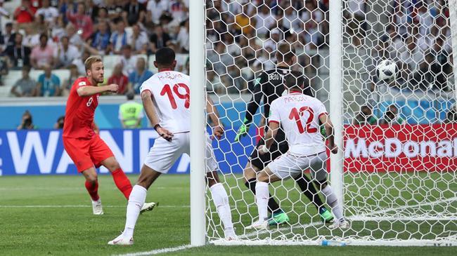 世界杯: 英格兰2中框2-1险胜