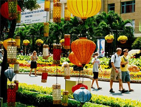 年初5个月赴胡志明市国际游客量达全年计划的42.4%