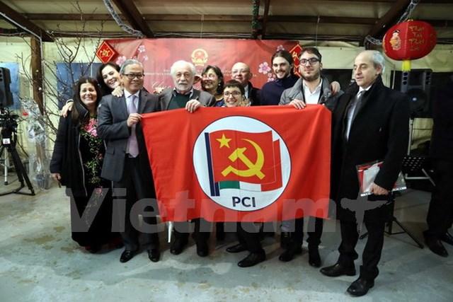 越南出席意大利共产党第一次全国代表大会