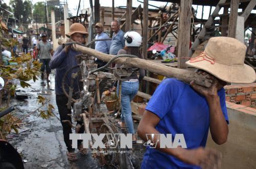越南领导向遭受火灾影响的旅柬越南人致慰问电