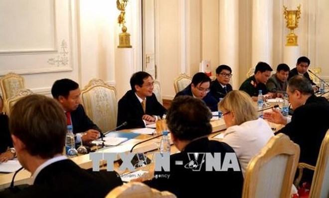 越俄携手推动双边关系日益活跃与全面发展