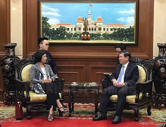 胡志明市领导会见加拿大和立陶宛驻越大使