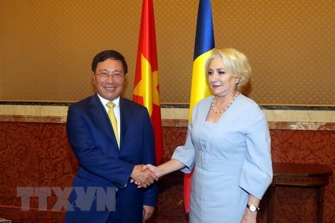 政府副总理兼外长范平明对罗马尼亚进行正式访问