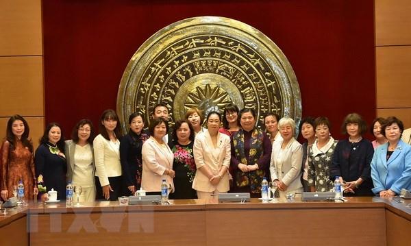 国会副主席丛氏放会见日本自民党女议员代表团