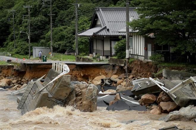 阮春福总理就日本强降雨引发严重灾害向日本首相致慰问电