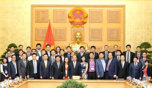阮春福总理:政府承诺为科学家参与科技项目创造一切条件
