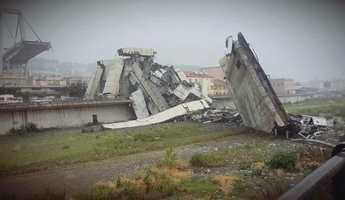 意大利公路桥垮塌造成至少20人死亡
