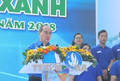 志愿者运动助推胡志明市经济社会发展