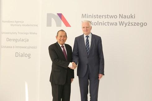 越南政府常务副总理张和平访问波兰