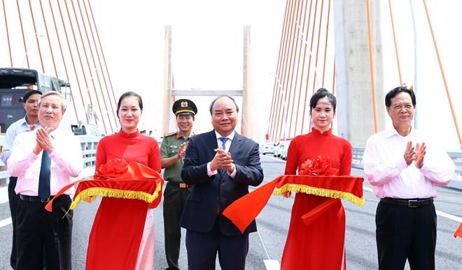 越南广宁省下龙市- 海防市高速公路正式通车