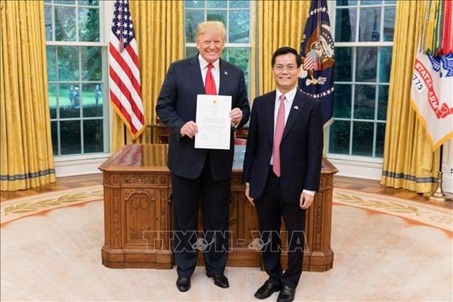 越南驻美国大使何金玉向美国总统特朗普递交国书