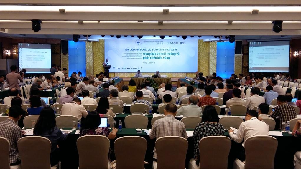 加强合作促进环保和可持续发展