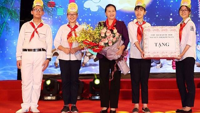 越南各地为儿童们举办充满意义的中秋节活动