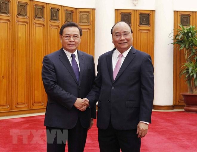 阮春福总理会见老挝建国阵线中央委员会主席赛宋蓬•丰威汉