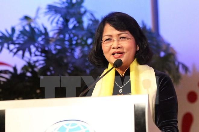 国家副主席邓氏玉盛出席欧亚妇女论坛