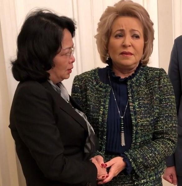 越南国家副主席邓氏玉盛会见俄罗斯联邦委员会主席